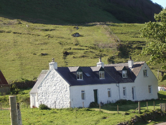 Lageorna - a double cottage in Cleadale