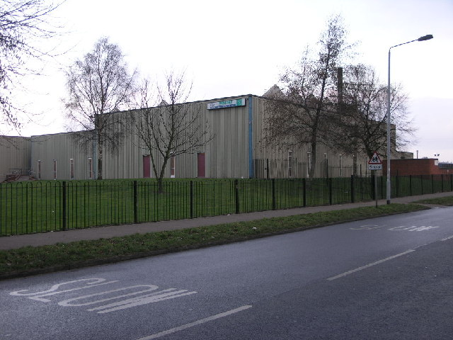 leisure centre michael patterson cc by sa 2 0 geograph britain and ireland