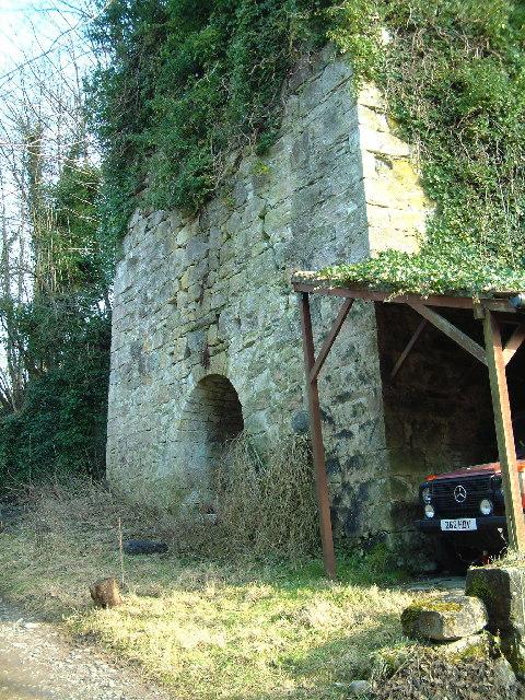 Lime kiln near Muckhart Mill