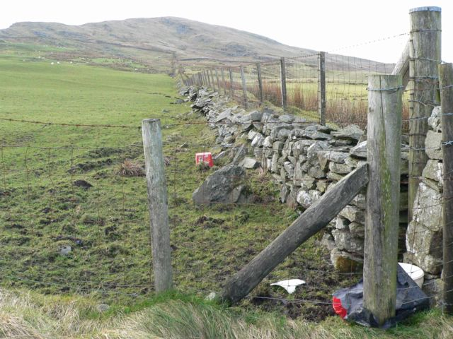 The Community Boundary Wall heading towards Garn Prys.