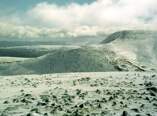 Geal-charn (917m)