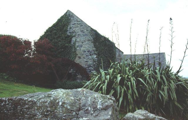 Cestyll watermill.