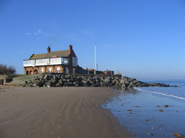 RWNGC clubhouse at high tide