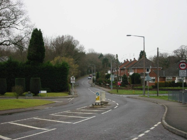 Looking up Gwern-Rhuddi Road