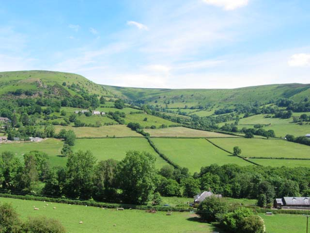 Cwmyoy valley
