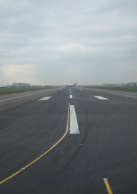 Runway 27L