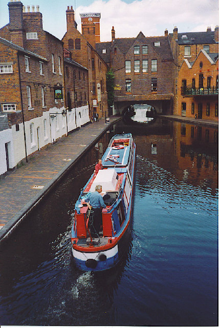 Heading North out of Gas Street Basin.