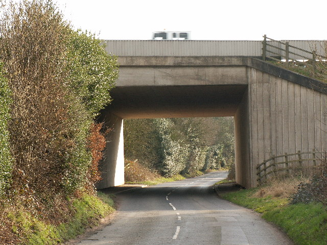 Motorway bridge over Littleheath Lane
