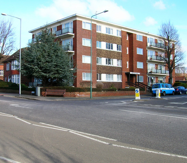 Lincoln Court