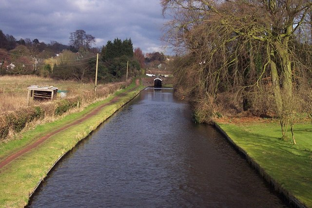 Staffordshire & Worcestershire Canal at Wightwick