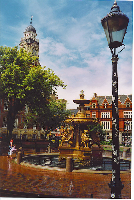 Leicester, Fountain in the Town Hall Square.