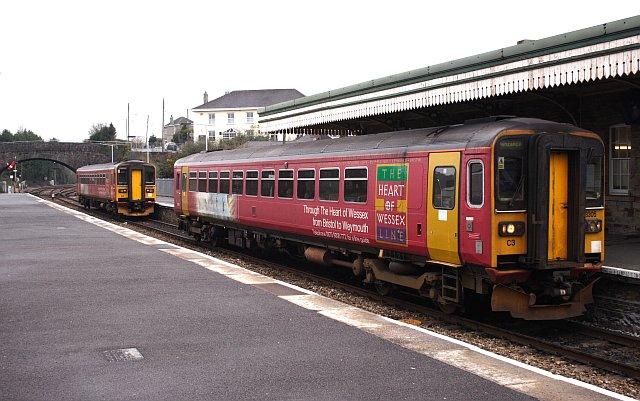 Splitting the Train at Par Station