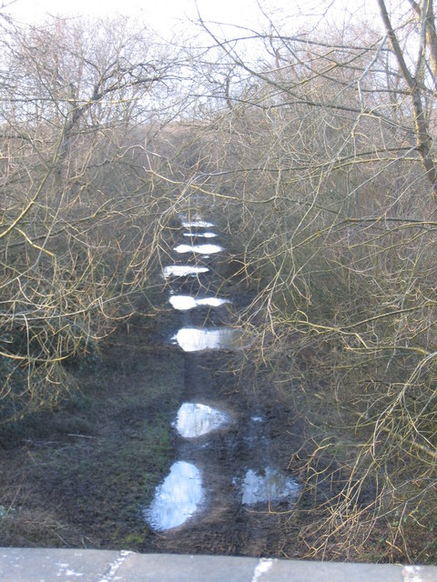 Bridleway on old railwayline near Cerney Wick