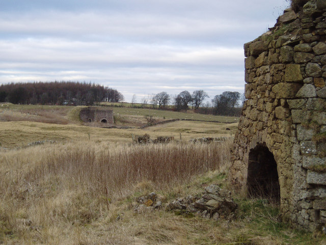Old limekilns near Gladhouse Mains