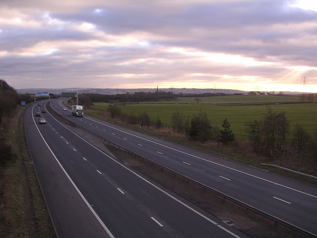 Looking south down M73 from Commonhead Road