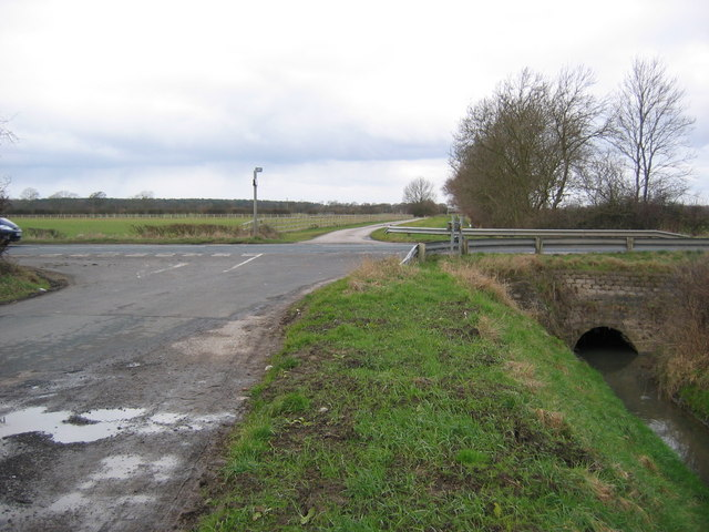 Road Junction, Holme Common