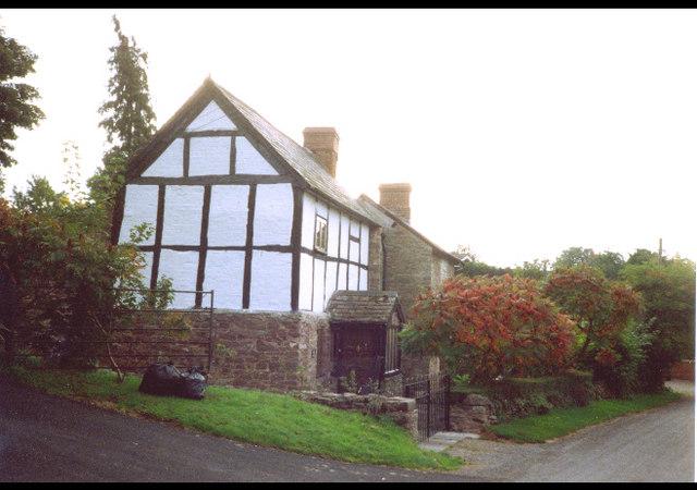 Tudor cottage in Stoke Prior village