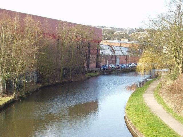 Leeds Liverpool Canal, Apperley Bridge