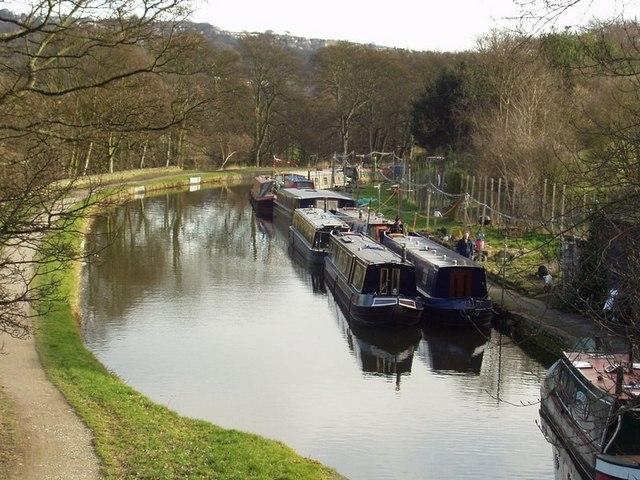 Leeds and Liverpool Canal, Apperley Bridge