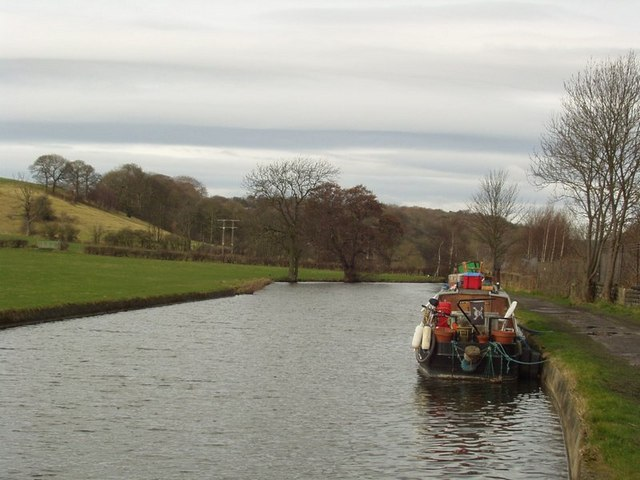 Leeds and Liverpool Canal, Calverley