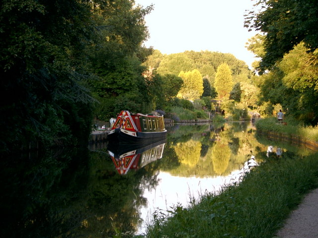 Narrow Boat on Leeds Liverpool Canal