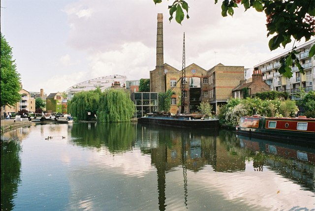 Regent's Canal above City Road Lock