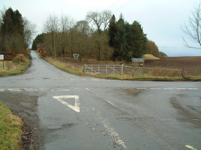 Hazelton Walls cross roads