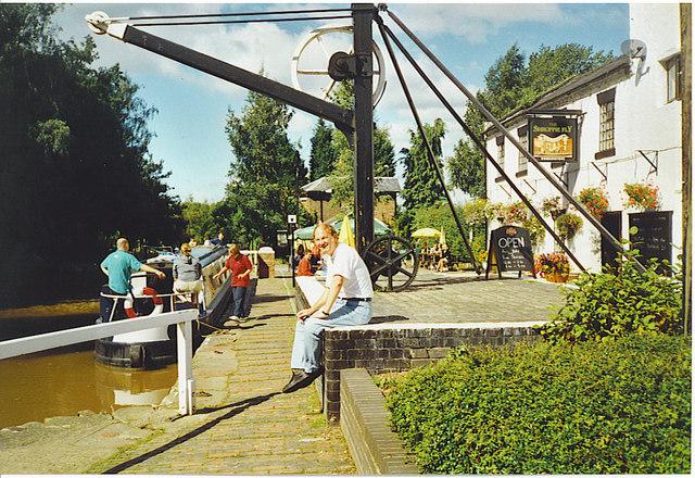 Old canalside crane, Audlem.