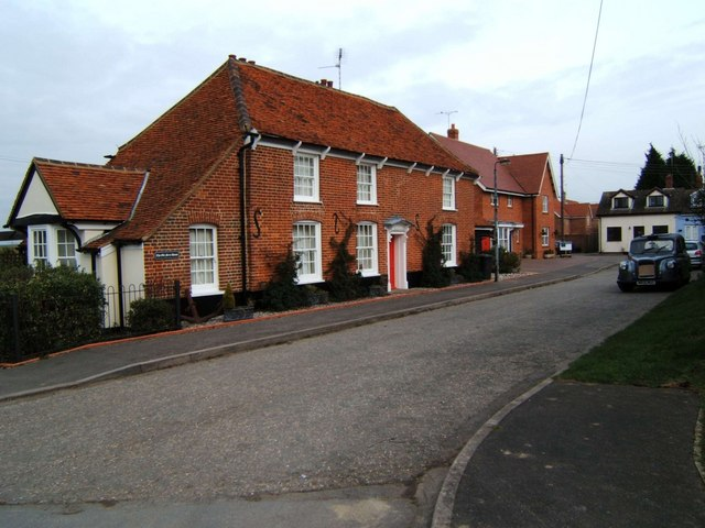 Old Ferry House & FX4, South Fambridge