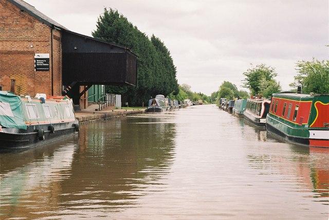 Shropshire Union Canal - Calveley Service station