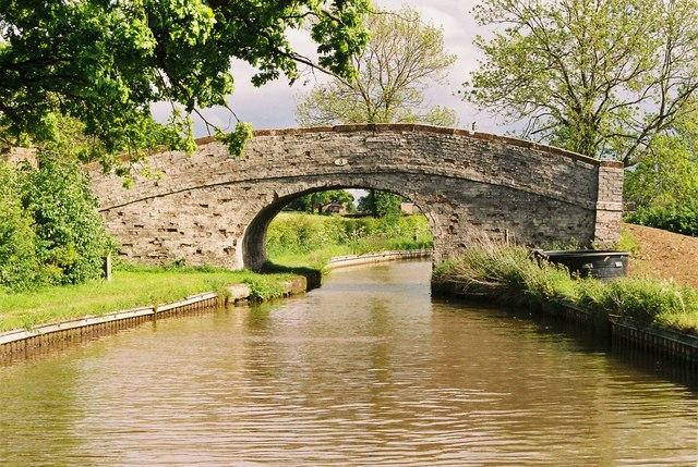 Llangollen Canal - Platt's Bridge