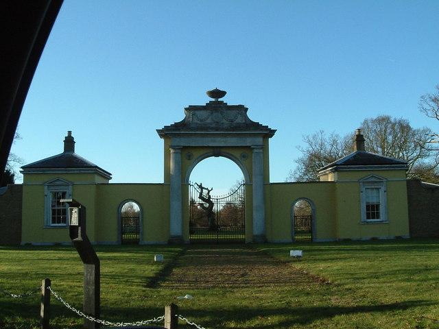 Dyrham Park, Hertfordshire : The Classical Gateway