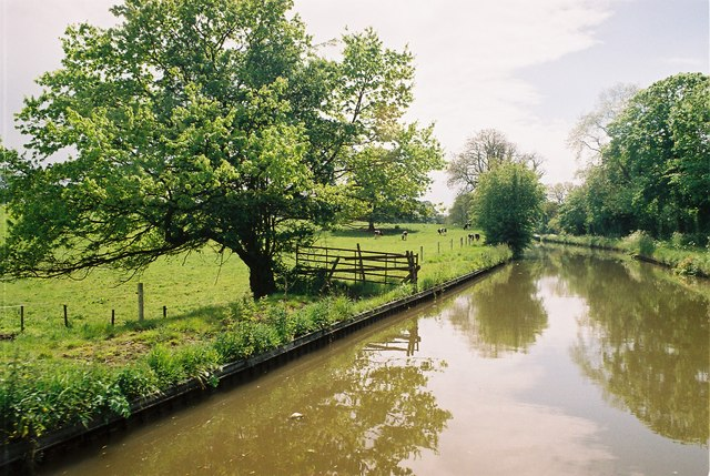Llangollen Canal south of Springhill Bridge