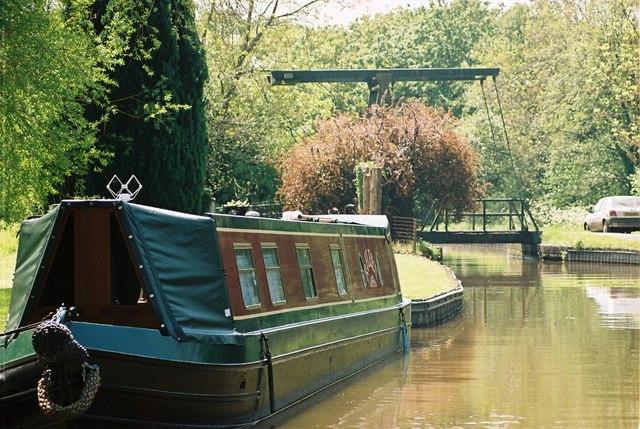 Llangollen Canal - Tilstock Park Lift Bridge