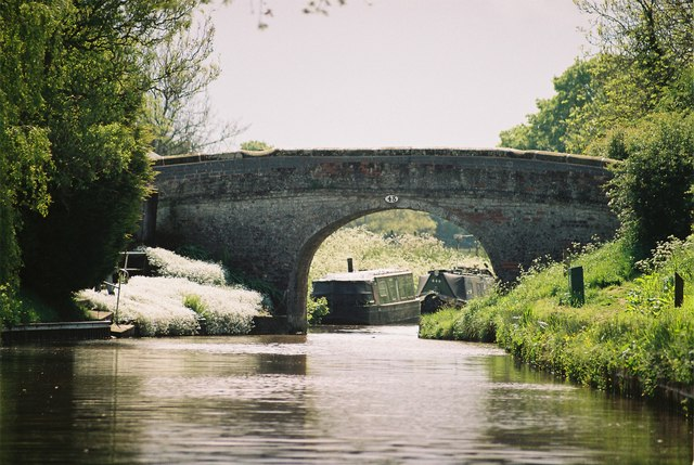 Llangollen Canal - Platt Lane Bridge