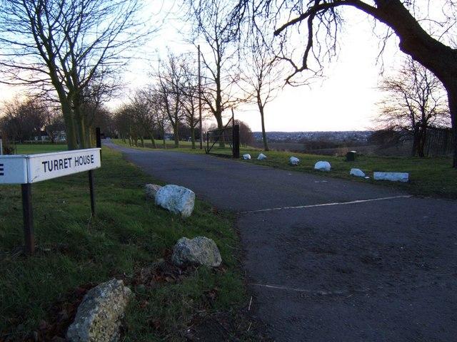 Driveway to Turrets