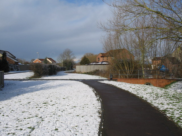 Footpath to The Mead