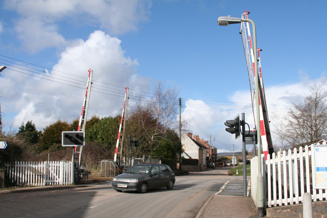 Feniton: level crossing by the station