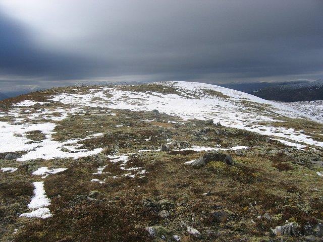 Mullach Sron na h-Uamhaidh: The west top.