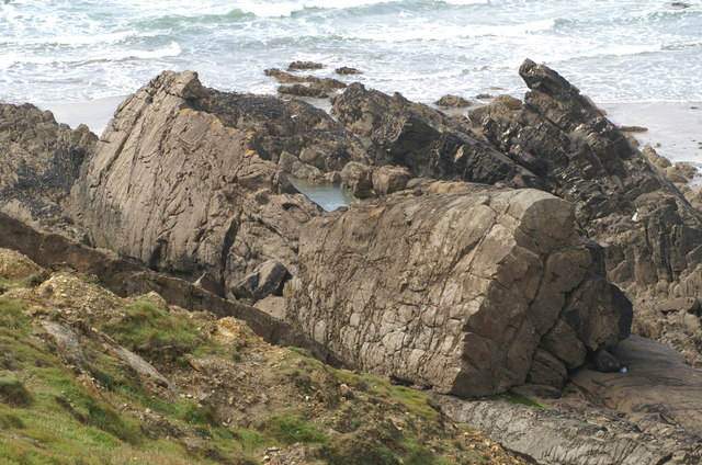 Folded rocks, Compass Point