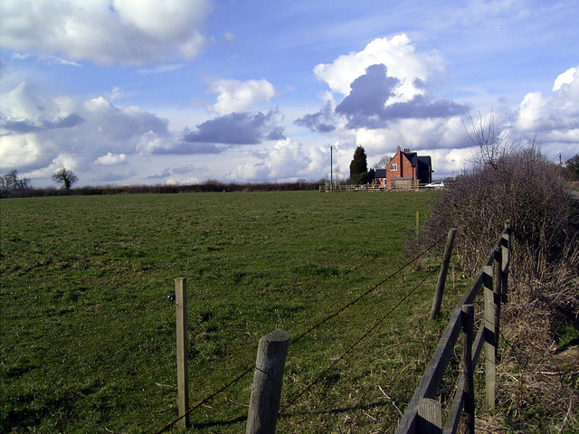 House and  farmland on Derby Lane, Snarestone, Leics