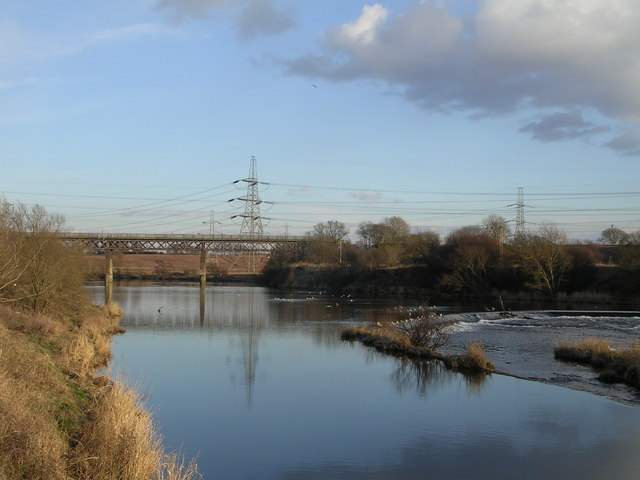 Weir and Disused Railway Bridge, River Clyde at Carmyle