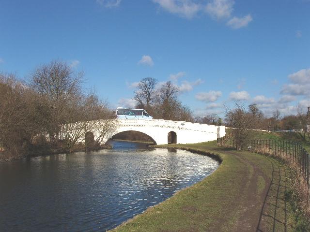 The Grove Bridge, Grand Union Canal