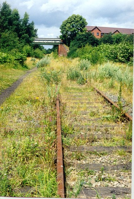 Disused Railway Line running underneath Bromley Lane