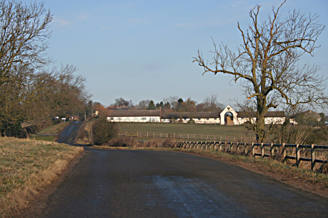 Road between Grimston and Saxelbye