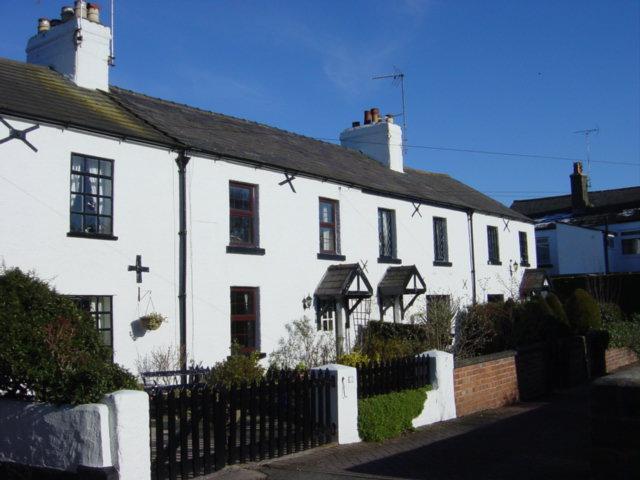Cottages in Coastguard Lane, Parkgate