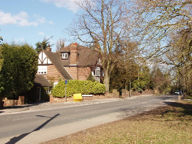 Barnet Lane, Totteridge