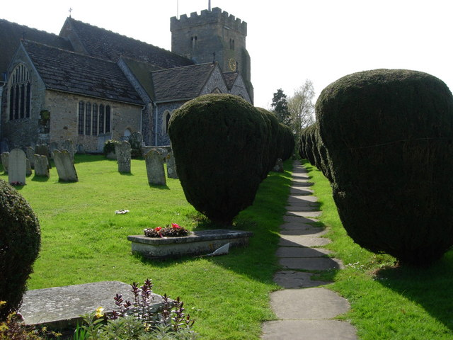 Henfield-St Peter's Church-path to Church