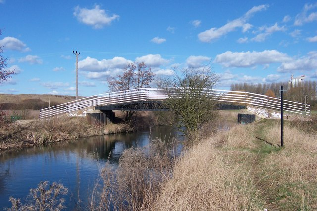 Footbridge over the River Stort (Navigation)
