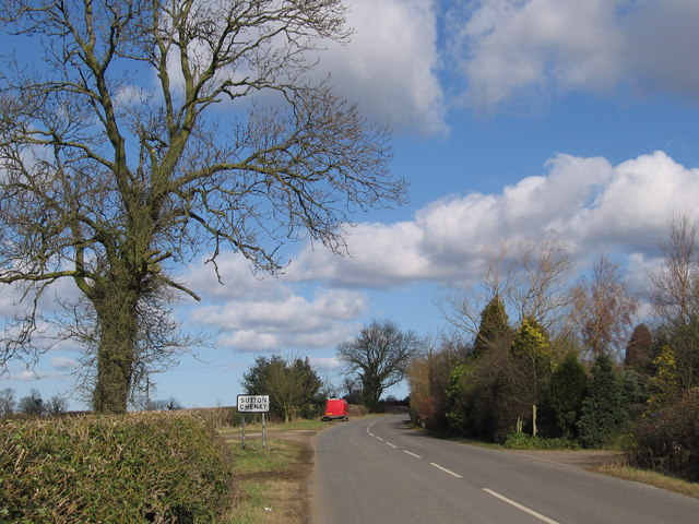 Entering Sutton Cheney